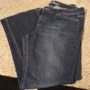 Sexy curvy bootcut jeans like new!
